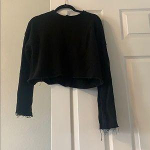 Black crop sweatshirt.